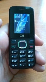 Мобильный телефон ZTE R550, черный/красный