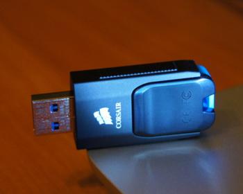 Флешка USB CORSAIR Voyager Slider X2128Гб, USB3.0, черный и голубой [cmfsl3×2-128gb]
