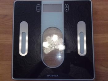 Напольные весы SUPRA BSS-6400, до 180кг, цвет: черный [10994]