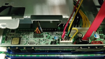 Компьютер ACER Veriton ES2710G, Intel Core i37100, DDR44Гб, 1000Гб, Intel HDGraphics 630, Windows 10Home, черный [dt.vqeer.021]