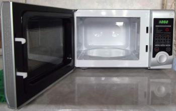 Микроволновая Печь Daewoo KQG-6L3BS 20л. 700Вт серебристый