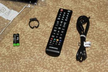 SAMSUNG UE22H5000AK LED телевизор