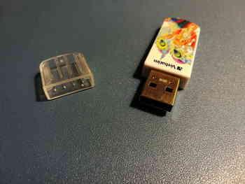 Флешка USB VERBATIM Store n GoMini Tattoo Phoenix 8Гб, USB2.0, белый и рисунок [49883]